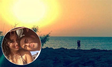 candela romantica la rom 225 ntica puesta de sol de candela serrat y daniel