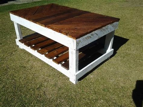 how to a coffee table out of pallets diy coffee table out of pallet wood 99 pallets
