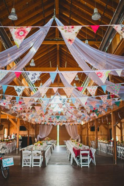 unique wedding ideas  bunting details deer pearl