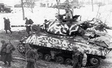 Firefly Janvier neige camoufl 233 char d assaut m4a3 sherman avec un canon de