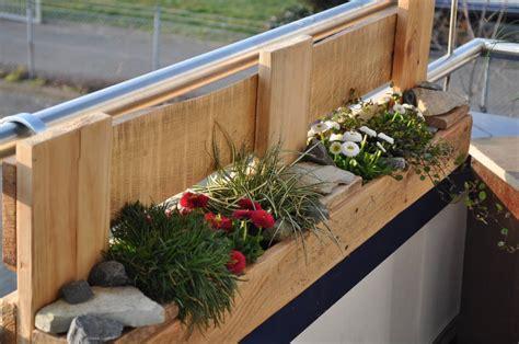 vasche per piante da terrazzo piante da balcone un modo semplice per abbellire l