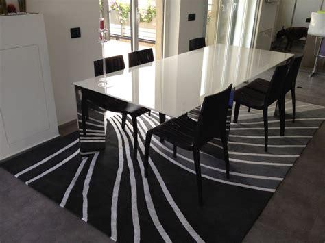 tappeti da tavolo tappeto sotto il tavolo da pranzo madgeweb idee di