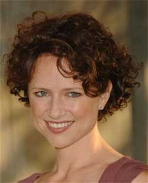 curly hairstyle high forehead women s cute short curly hairstyles for 2017 spring