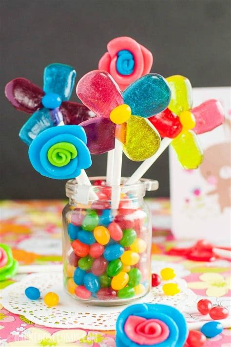 Handmade Chocolate Lollipops - easy lollipops and edible flowers page 2