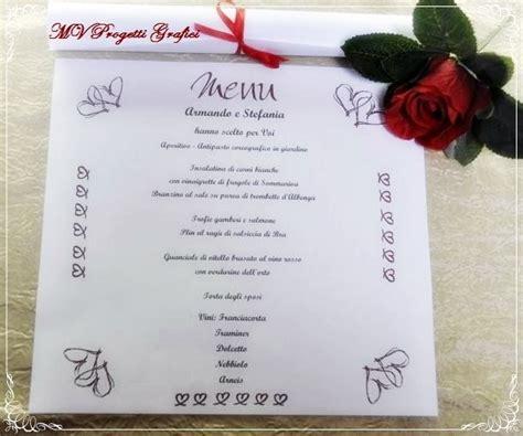layout di un menu menu di nozze quadrati arrotolati con nastrino