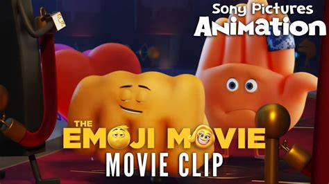 emoji film fist money the emoji movie fist bump vs hi 5 youtube