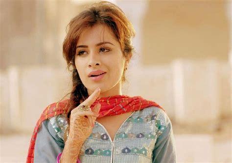 punjabi film actress image sara gurpal hot sexy punjabi model actress unseen hd photos