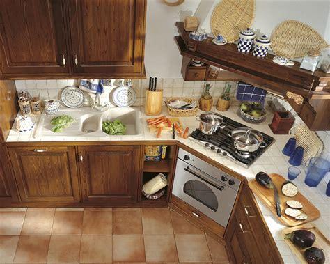 cucine in legno massiccio cucine in legno massiccio massello cucina cucina toscano
