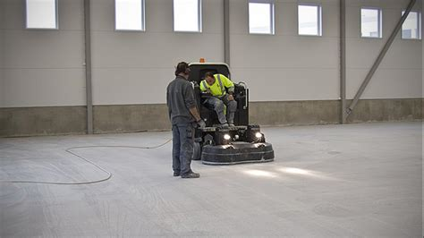 HTC 1500 ixT   a concrete grinder for both large and small