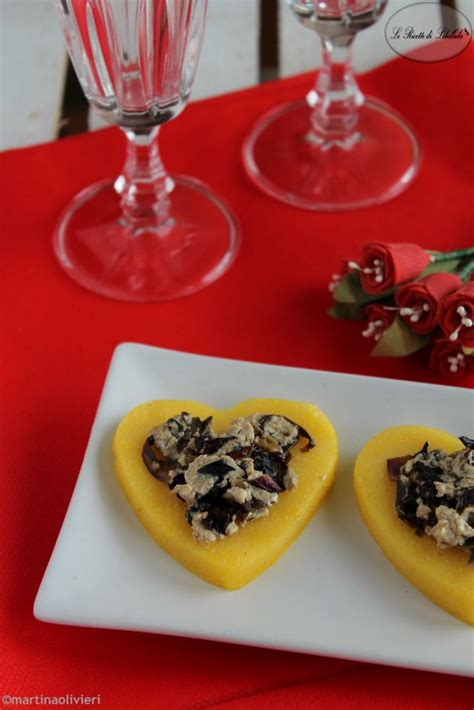 cucina facile antipasti medaglioni di polenta al radicchio ricette antipasti