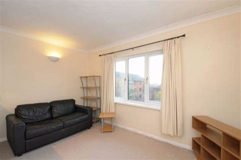 rent my room rent my 1 bed apartment south 1 bedroom flat tooting bec no fees