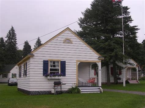 Of Green Gables Cottages by 301 Moved Permanently