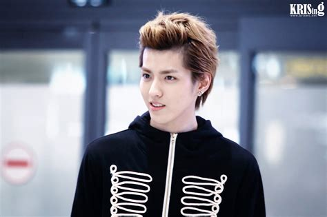exo kris kris to star in quot lao pao er quot and signs with huayi brothers