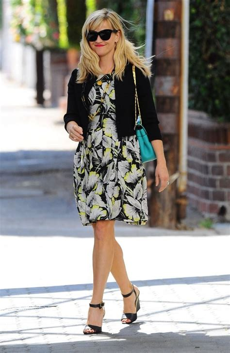 Spotted Shopping Cameron Reese And More by Reese Witherspoon Spotted Out Shopping With A Friend In