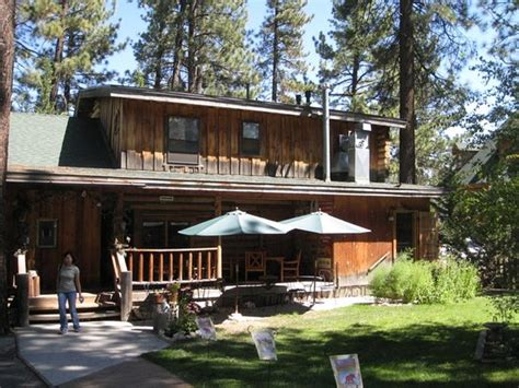 bed and breakfast big bear eagle s nest bed and breakfast lodge big bear region ca