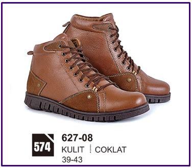 Sepatu Pria Kulit Asli Terbaru Keren Casual Boots Jalan Jalan 1 sepatu boots pria kulit branded cibaduyut keren