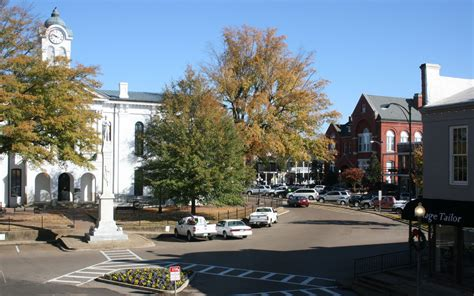 local color oxford ms america s best towns for fall colors travel leisure