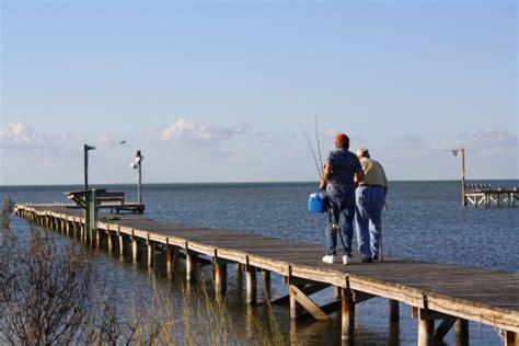 fishing boat rentals rockport tx lucky strikes rockport tx miss kitty s fishing getaways