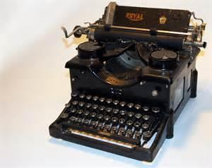 working vintage antique 1920 royal typewriter model by