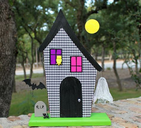 diy haunted house make a glowing 3 d haunted house morena s corner
