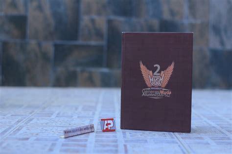 Unik Keren Dus Box Jinjing Orian Desain Cover Buku Tahunan Sekolah Booklet All About Yearbook Product