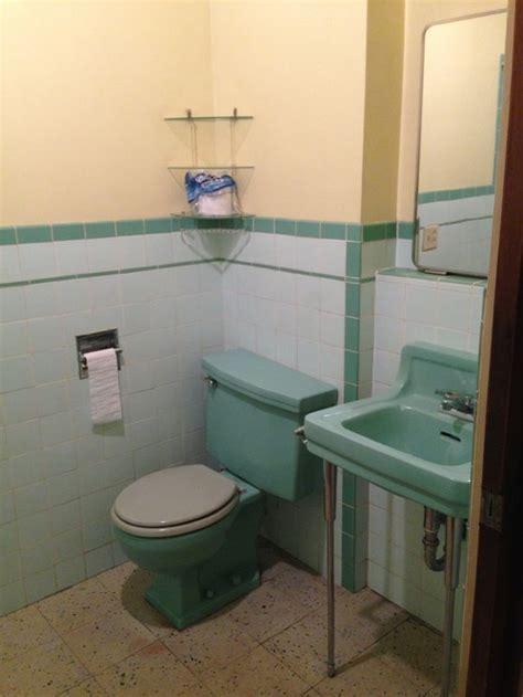 Can I Paint Bathtub Need Help With Bathroom Wall Color