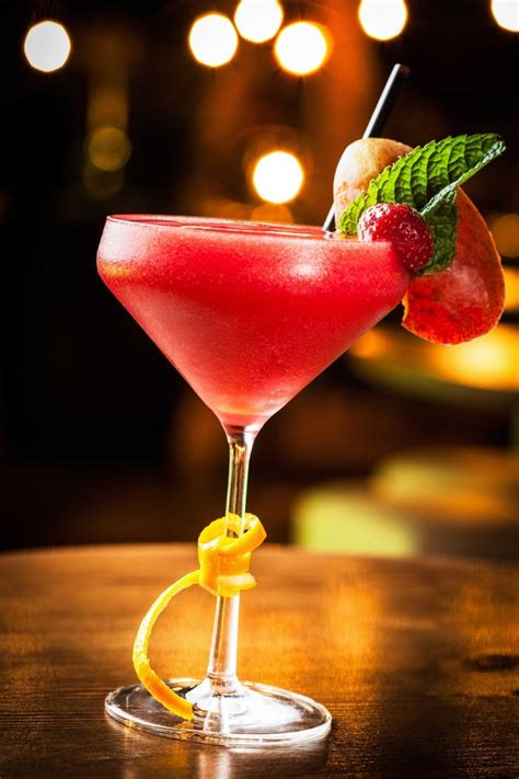 how to make the perfect strawberry frozen daiquiri a great cuban recipe wine dharma