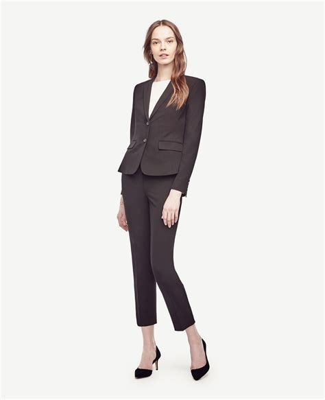 how to dress good for women i their 40s what to wear to work from women who have it figured out