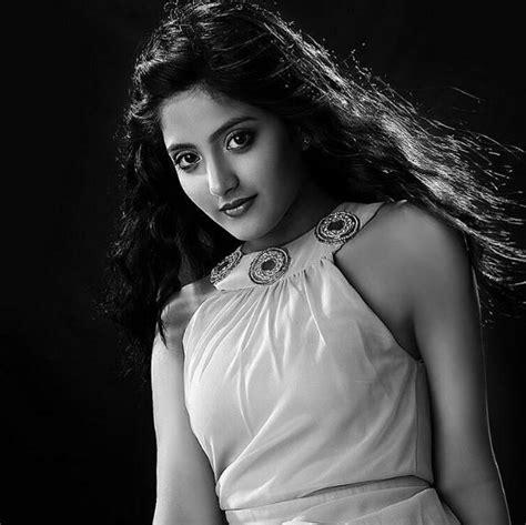 actress jhansi age pics remember the young manu aka ulka gupta from