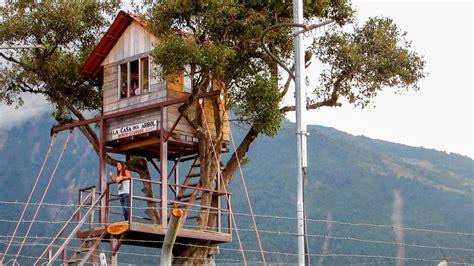 la casa del arbol la casa del arbol ba 241 os de agua santa en ecuador