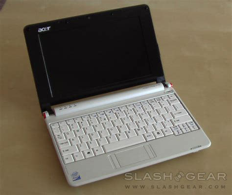 Hardisk Netbook Acer Aspire One acer aspire one netbook slashgear review slashgear