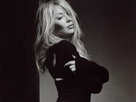 Minogues White by Minogue Genius