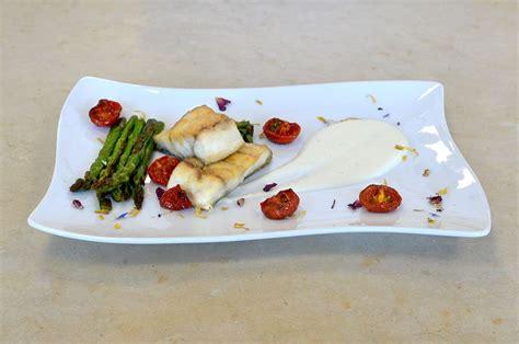 cucinare asparagi freschi corso di cuoco trancio di ricciola su crema di burrata e
