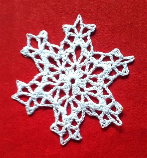 snowflake doily pattern pretty snowflake pattern free crochet patterns