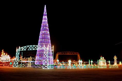 duluth xmas light tour bentleyville duluth minnesota such a and family oriented event my home town