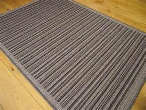 small large black and grey silver stripe non slip