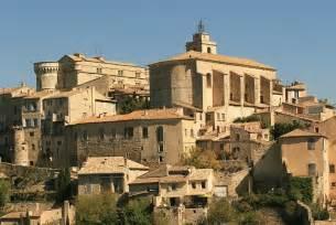 Contemporary Houses Tourism In Gordes Visit Gordes Sentinel Village Facing