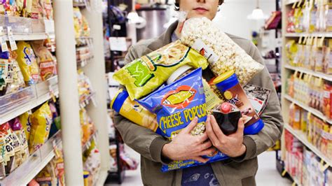 hungry shoppers buy more junk food study finds abc news