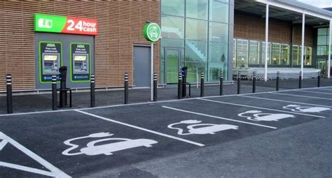 parking bus lane access  electric cars electric vehicle news  fuel included