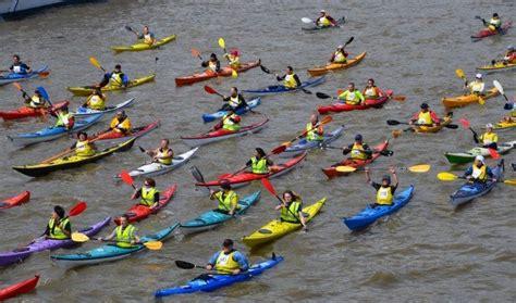 thames river paddling routes kayaking river thames london united kingdom