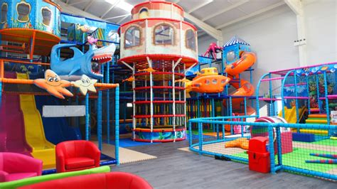 pontins themed events brean leisure park places to go lets go with the children