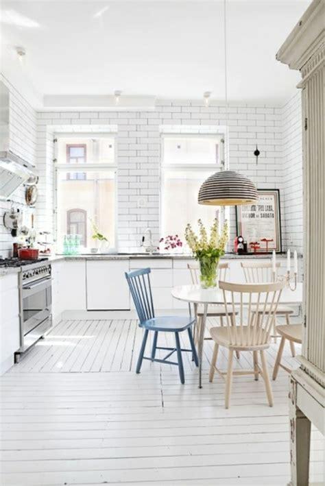 kleine küche und esszimmer design wandgestaltung wohnzimmer grau t 252 rkis