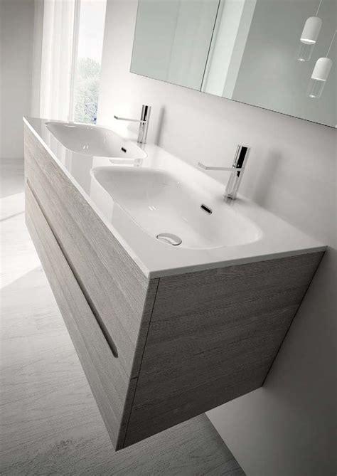 piatto doccia doppio le 25 migliori idee su doppio lavabo da bagno su