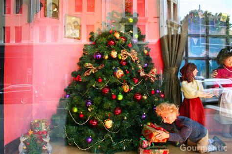 david jones christmas window display 2011