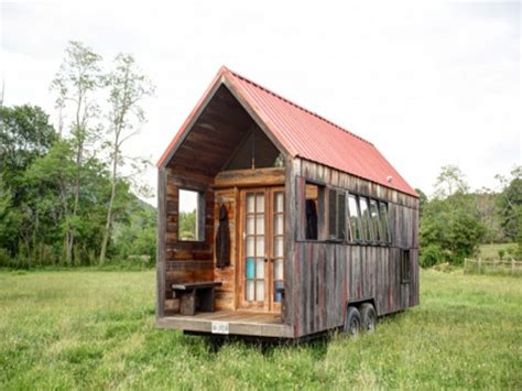 unique cabin designs small cabins tiny houses on wheels small cabins tiny