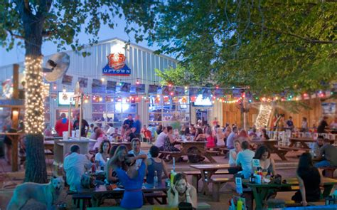 katy trail ice house plano pop up barbershop and dog groomer hit katy trail ice house