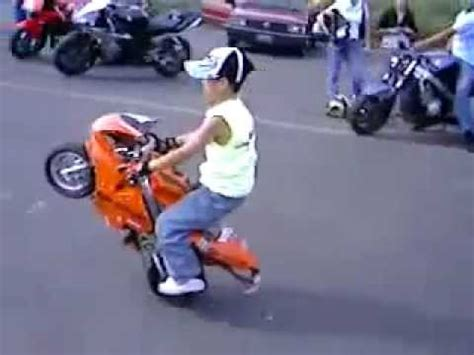 manobras de mini moto crianca youtube