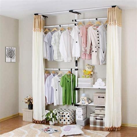 kleiderschrank selber bauen mit vorhang begehbarer kleiderschrank f 252 r kleines zimmer ideen tipps