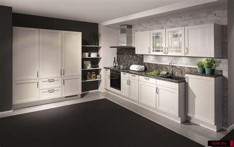 15 enticing kitchen designs for a good cuisine experience modern kitchen design kitchen renovations kitchen decor
