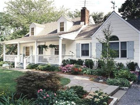 Cape Cod Landscaping Ideas 25 Best Ideas About Cape Cod Exterior On Pinterest Beautiful Houses House And
